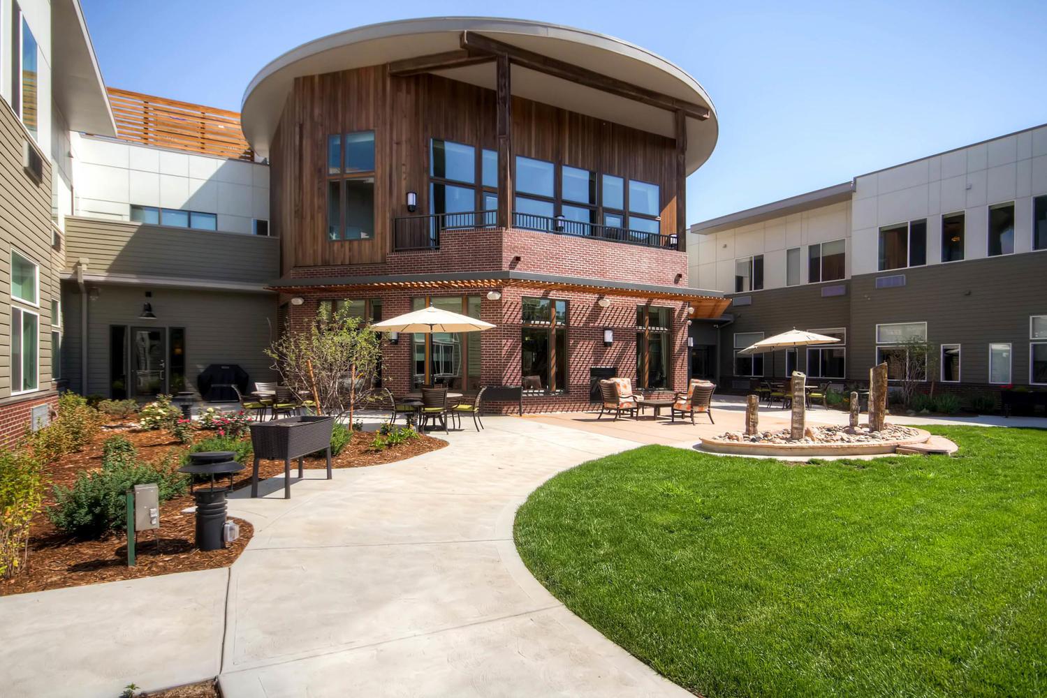 833-Jersey-Street-Denver-CO-large-030-23-Courtyard-1500x1000-72dpi